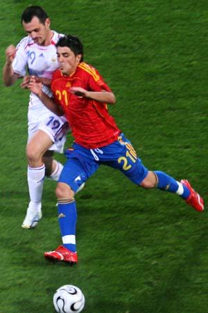 图文:西班牙1-3法国 拉丁舞曲