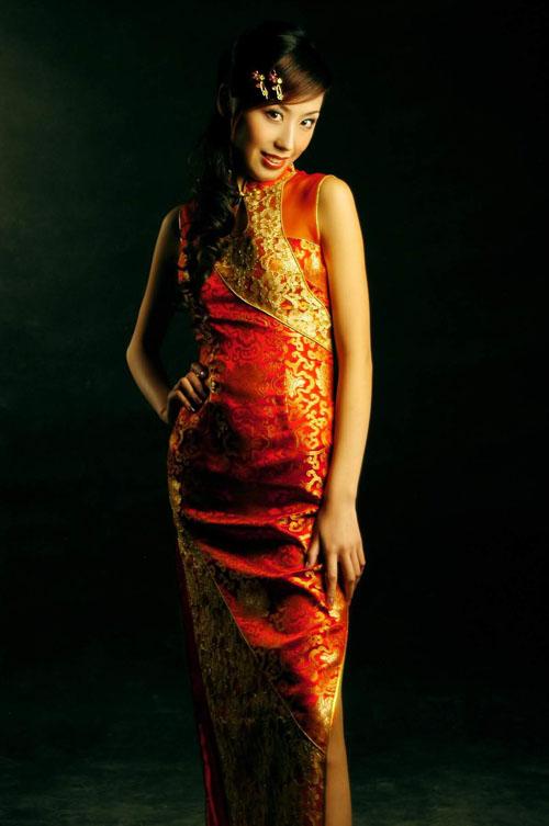 东方格调:女性典雅韵味旗袍设计
