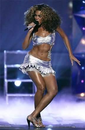 女星碧昂丝扭腰摆臀 大秀瘦身后姣好身段(图)