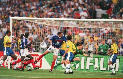 世界杯经典98年法国3 0击败巴西夺冠