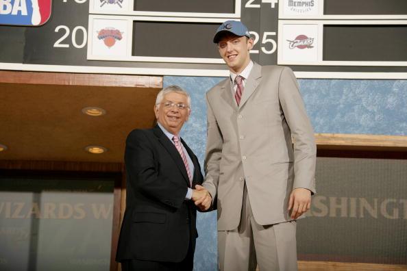 图文:2006年NBA选秀 第18顺位奇才佩切罗夫