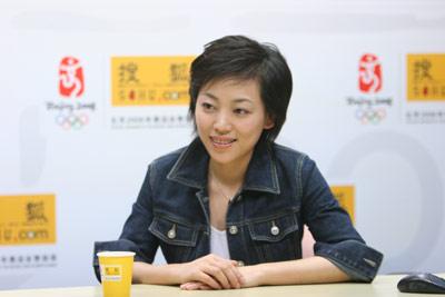 劳春燕做客搜狐连线记者:唐古拉山是一个奇迹