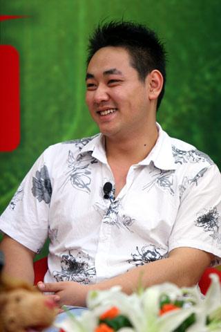 小龙人扮演者现身搜狐 将组建乐队重出娱乐圈