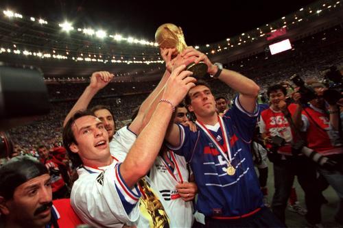 世界杯回顾之98年法国3 0击败巴西夺冠