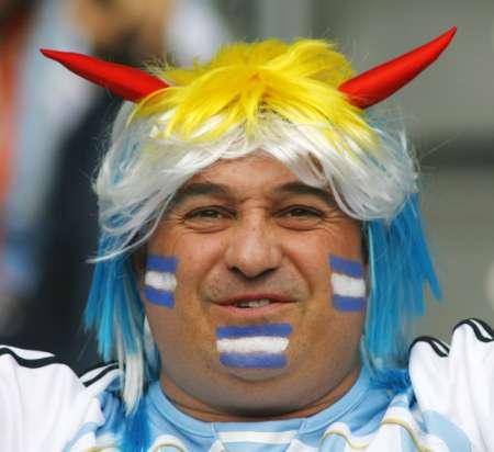 图文:德国VS阿根廷 阿根廷牛角前来助阵