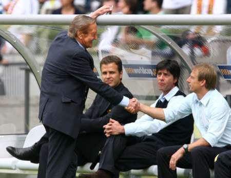 图文:德国VS阿根廷 克林斯曼信心十足