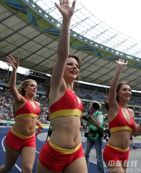 图文:德国5-3阿根廷 1/4决赛赛前的开幕式表演