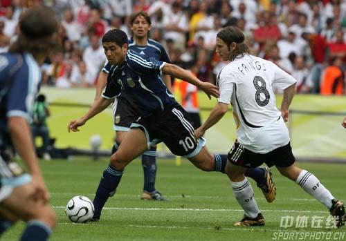图文:德国5-3阿根廷 里克尔梅比赛中控球