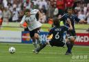图文:德国5-3阿根廷 德国队弗林斯带球突破