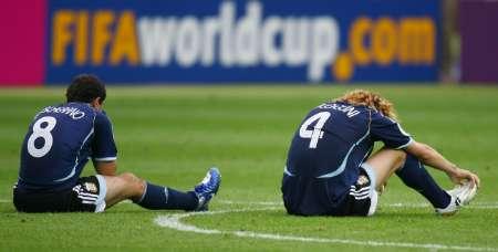 组图:德国5-3阿根廷 阿根廷队员很受伤