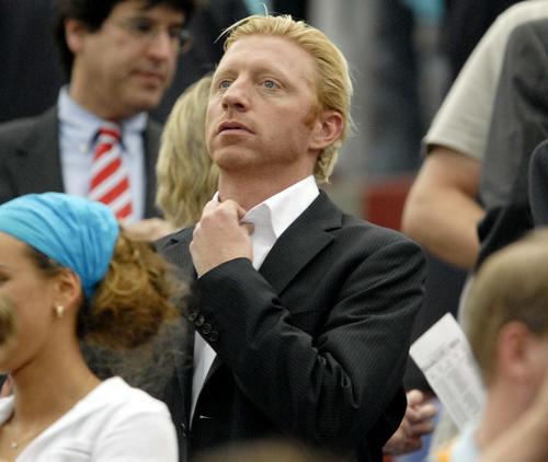 图文:巴西0-1法国 德国网球明星贝克尔观战