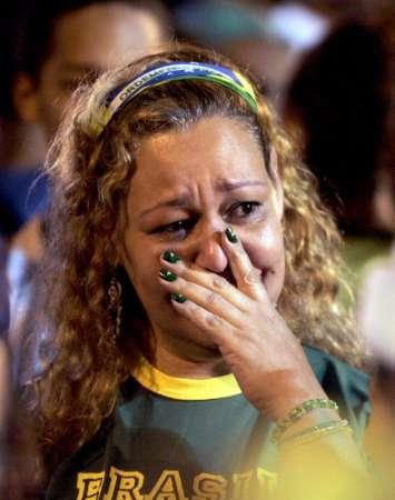 组图:巴西0-1法国 巴西球迷赛后痛哭
