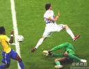 组图:巴西0-1法国 巴西队门将扑救