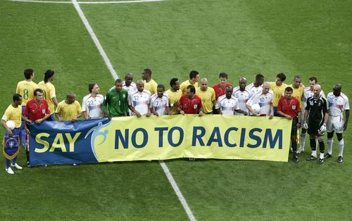 图文:巴西0-1法国 首发阵容气派十足