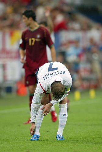 组图:因伤下场 贝克汉姆痛哭告别世界杯