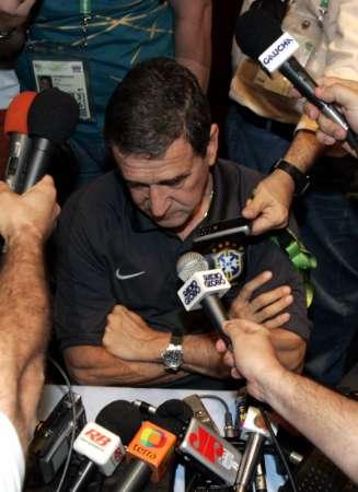 图文:巴西被法国淘汰 主帅出席新闻发布会