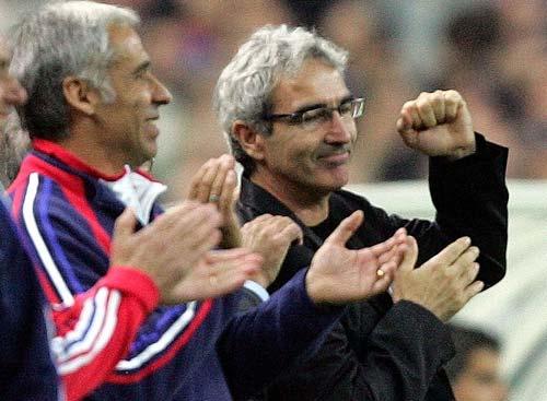 图文:法国主场4-0痛宰塞浦路斯 多梅内克露笑容