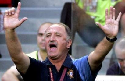图文:欧锦赛葡萄牙0-0希腊 紧张的斯科拉里