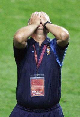 图文:葡萄牙0-1希腊 无法面对现实的斯科拉里