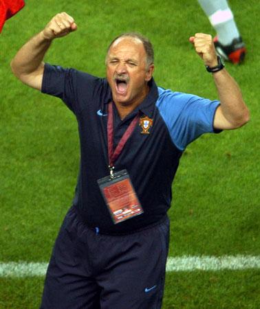 图文:欧锦赛西班牙0-1葡萄牙 兴奋的斯科拉里