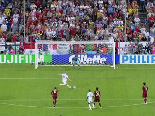 幻灯:葡萄牙VS法国首个进球 齐达内点球得分