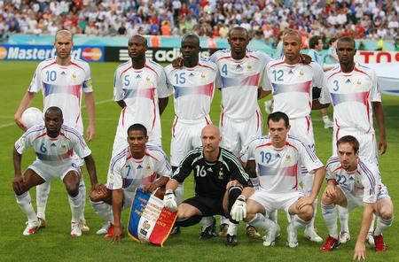 图文:葡萄牙0-1法国 法国队首发阵容