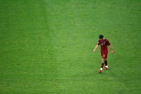 图文:葡萄牙0-1法国 C-罗纳尔多孤独的身影