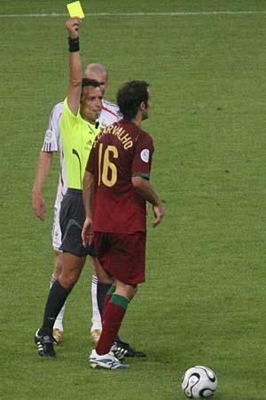 图文:搜狐直击葡萄牙0-1法国 卡瓦略被警告