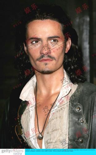 《加勒比海盗2》蜡像亮相 凯拉华丽动人(组图)