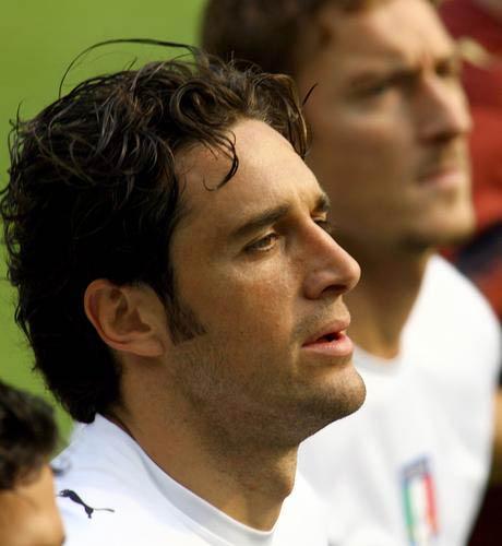 组图:意大利备战世界杯决赛 球员认真训练