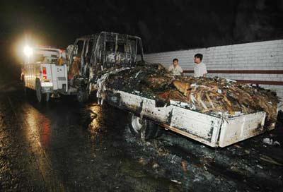 温州:货车隧道内起火 50多人成功获救