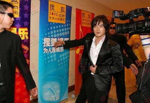 韩国神话组合上海大舞台举行媒体见面会(图)