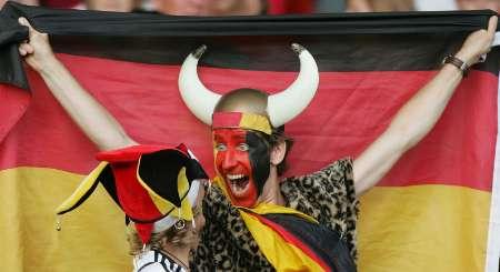 """图文:德国VS葡萄牙 德国""""牛仔""""大声吼叫"""