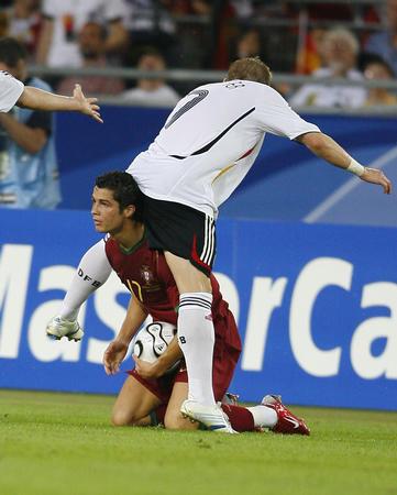 图文:德国VS葡萄牙 C-罗纳尔多的搞笑动作