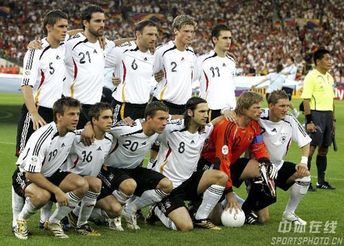 图文:德国VS葡萄牙 德国队首发阵容
