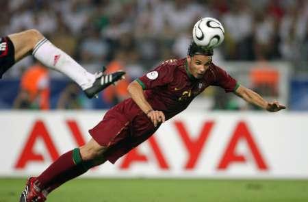图文:德国3-1葡萄牙 戈麦斯破门瞬间