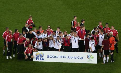 图文:搜狐直击德国3-1葡萄牙 德国队荣获第三名