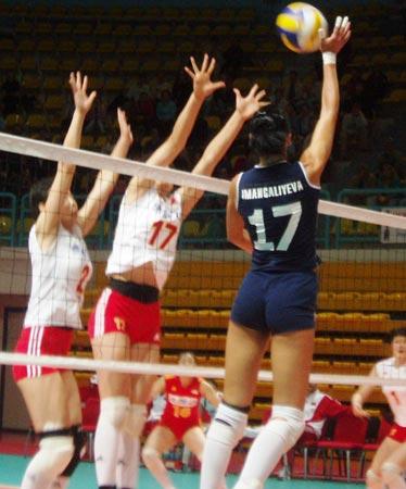 总统杯中国女排两连胜 陈忠和赞年轻队员有进步