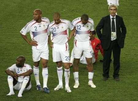 组图:意大利6-4法国 法国队员赛后很失落