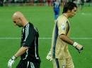 图文:意大利6-4法国 巴特斯与布冯擦肩而过