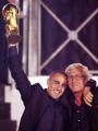 图文:罗马庆祝活动欢迎国家队 主教练里皮