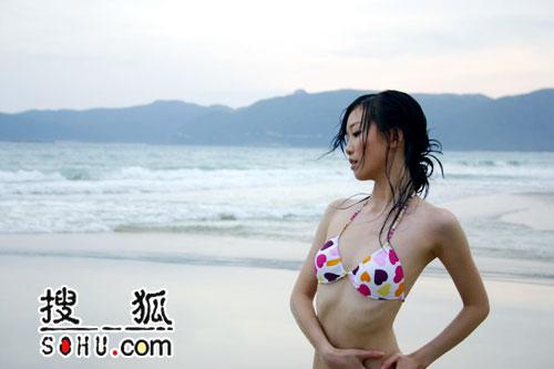 图:于莎莎沙滩写真(16)