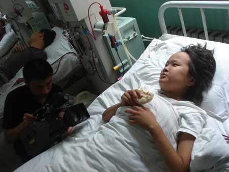 23岁女孩患尿毒症 寻找亲生父母
