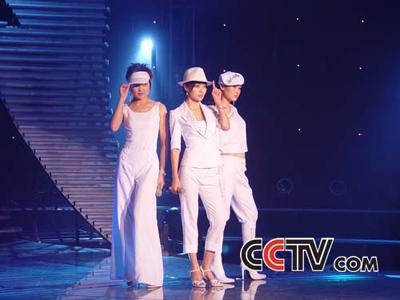 青歌赛组合演唱决赛选手:阳光女孩组合