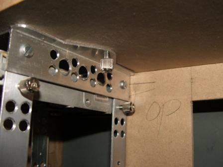 固定硬件用的支架