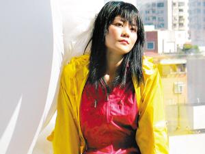 王菲明年春节全国10场巡演 李亚鹏将亲自操刀
