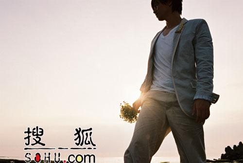 台湾情歌王子李圣杰 《手放开》后《很想说》