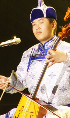 青歌赛原生态唱法决赛选手:海木日泰