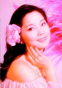 王菲巡演喊价500万 有望出演音乐剧《邓丽君》