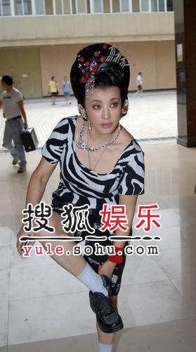 刘晓庆中年再演武则天 称不是装嫩是本来就嫩